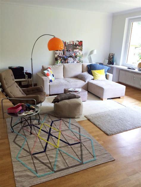 teppich sofa anordnung der kunst r 228 ume wachzuk 252 ssen mirjam otto raumkunst
