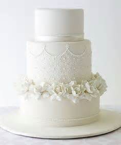 Robin 3 Tier Piped Wedding 1000 Ideas About Lace Wedding Cakes On
