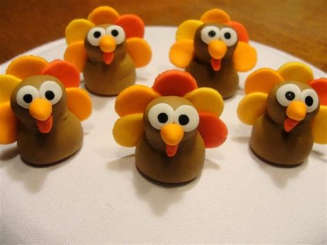 Thanksgiving Edible Decorations by Turkey Cupcake Toppers Sweet Tooth Cupcakes Cakes Cupcake Toppers And Turkey