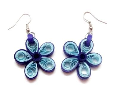 paper quilled flower earrings tutorial quilled five petal flower earrings diy art platter