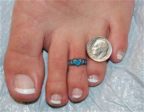 toe ring tattoos 64 best toe tattoos collection