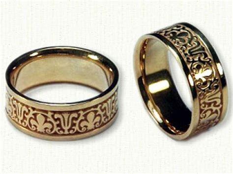 unique engraving and design from the german wedding rings