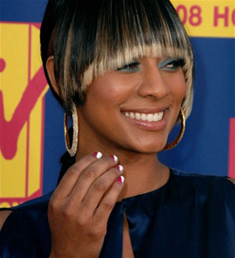 blonde highlights for black women 5 cute medium hairstyles with blonde highlights black