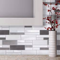 Aluminum Kitchen Backsplash 1000 Ideas About Glass Tile Backsplash On Pinterest
