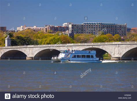 river boat cruise dc washington dc usa potomac river cruise ship memorial