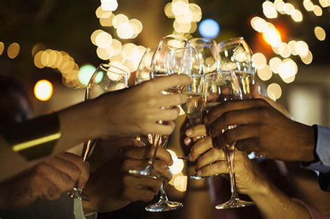 wine warning  alcoholic drink  day increases risk