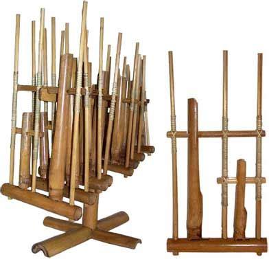 angklung alat musik tradisional asli jawa barat indonesia