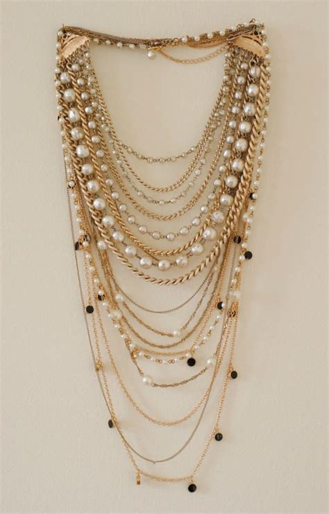 how to layer necklaces glitter guide