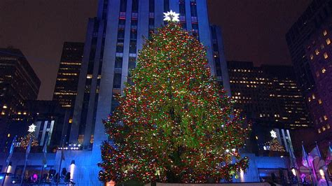 tree lighting rockefeller center icymi rockefeller center tree illuminated nbc