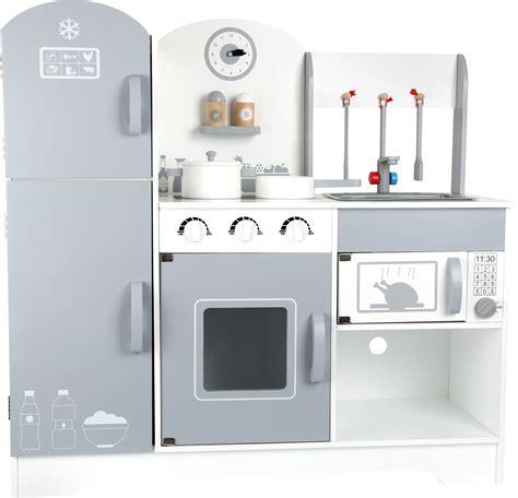 cucina con gioco it cucina gioco con frigorifero in cucina gioco di ruolo