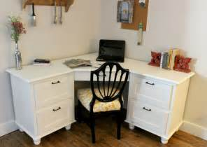 Make A Small Corner Desk A Corner I Wouldn T Mind Being Sent To Diy Corner Desk