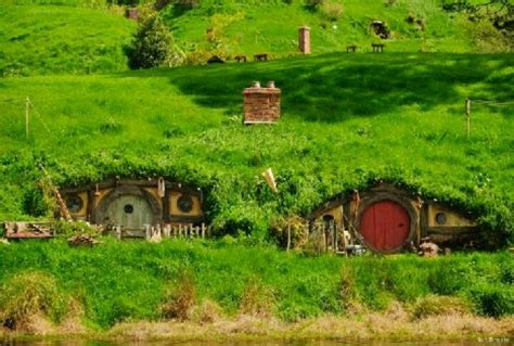 hobbit houses new zealand hobbit houses new zealand new zealand trip pinterest
