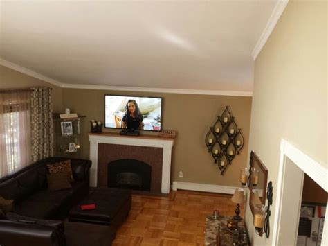 great pic to show the contrast of the wall colors behr harvest brown on the back fireplace wall