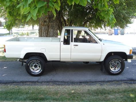 vintage toyota truck 1985 toyota 4wd extended cab truck 22r 4x4