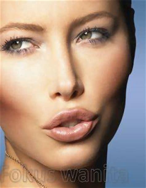 cara membentuk alis wajah oval cara membentuk alis mata sesuai bentuk wajah simomot