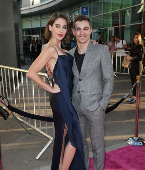 alison brie dave franco wedding entertainment news page extratv