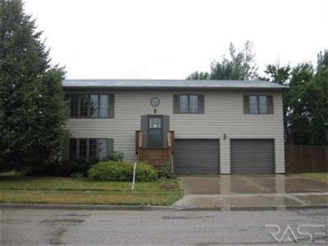 820 23rd ave ne aberdeen south dakota 57401 reo home