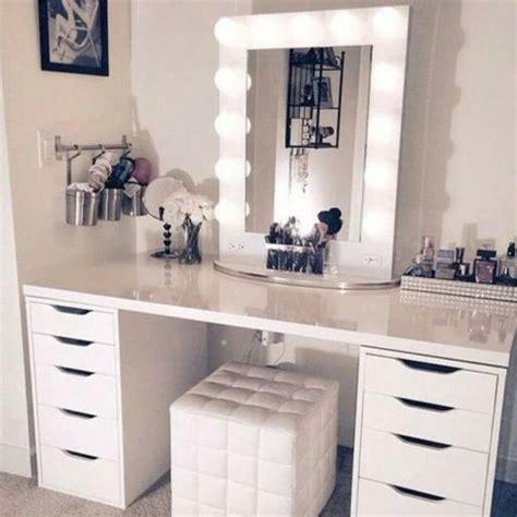 Formidable Miroir Lumineux Pour Coiffeuse #1: 8b525a8fee7fc96b1ae864d6db26372b.jpg