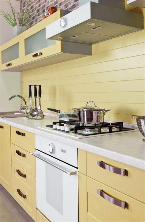 lade a risparmio energetico luce calda illuminazione o gialla interno moderno della cucina