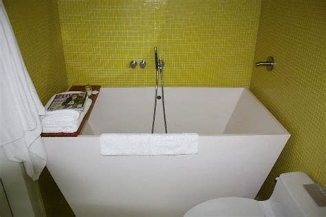 deep tubs for small bathrooms soaking tubs for small bathrooms all about soaking tubs