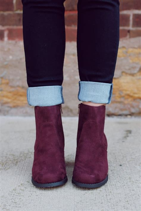 wine colored boots best 25 burgundy boots ideas on burgundy