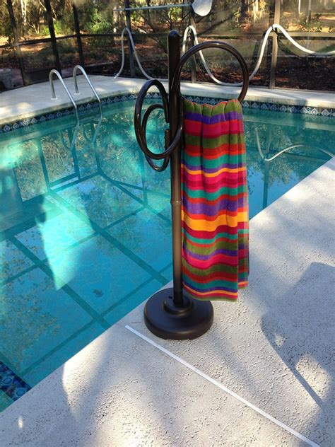 Outside Towel Rack by Outdoor Spa And Pool Towel Rack Outdoor Tub Towel Rack