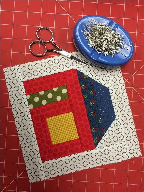 House Quilt Blocks Free by Best 25 House Quilts Ideas On Patchwork Patterns Quilt Patterns And Quilting