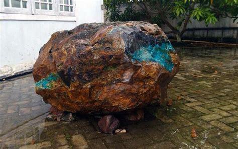 Bacan Coklat Unik Pulau Seram kisah menarik di balik penemuan batu akik bacan seberat 1