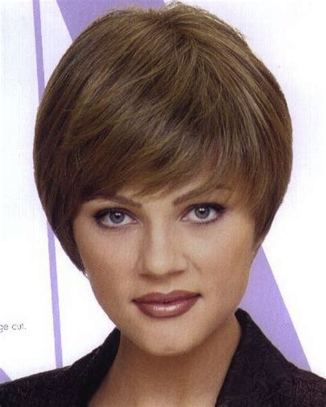 wedge haircut for grey hair wedge hairstyle coupes de cheveux pinterest
