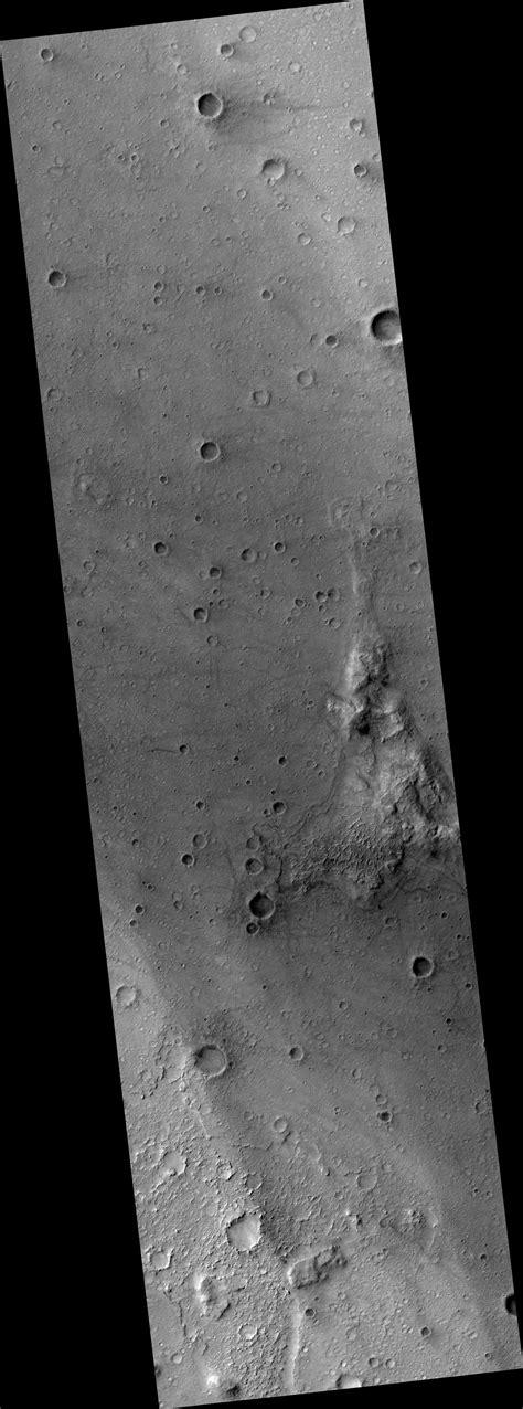 HiRISE | Mars Exploration Rover Spirit Landing Site at