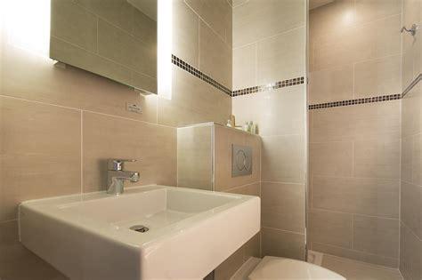 löcher in fliesen verdecken salle de bain beige cti photo n 176 21 domozoom