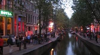Money by avoiding these tourist scamsin amsterdam photo paulvirostek
