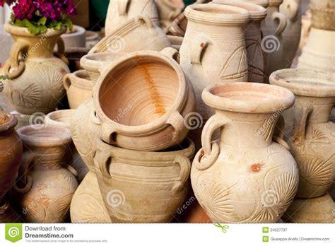 vasi di argilla brocche e vasi di argilla fotografia stock libera da
