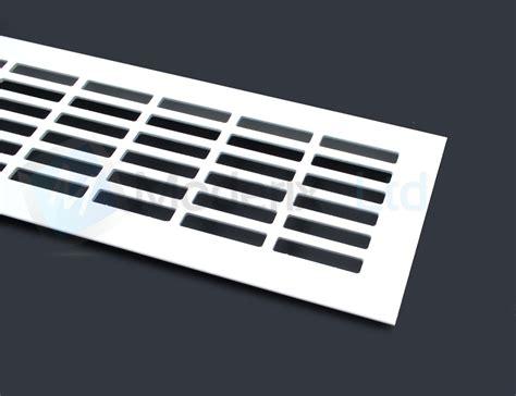 grille ventilation cuisine blanc plinthe cuisine grille ventilation plan de travail