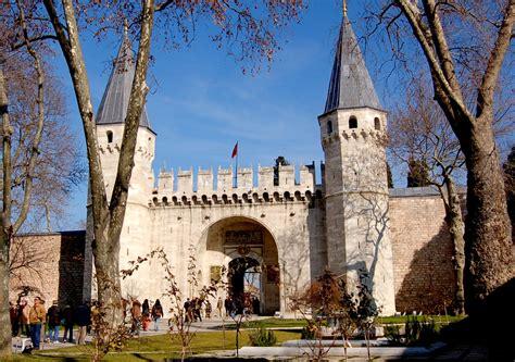 ottoman palace istanbul topkapi palace most famous places