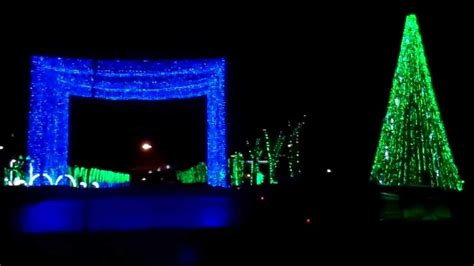 drive thru christmas light show synced with music dec