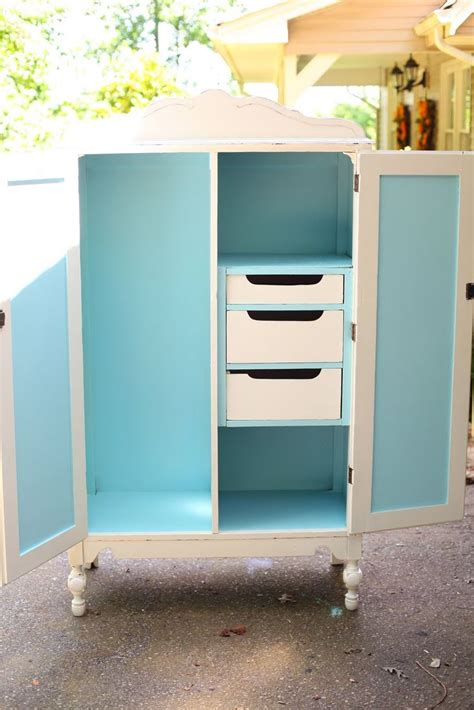 White Painted Wardrobes by 25 Best Ideas About Painted Wardrobe On