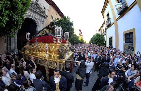 imagenes lunes santo sevilla las fotos de las penas el lunes santo de la semana santa