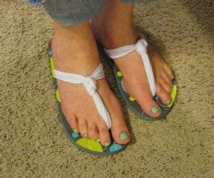 how to make flip flops more comfortable diy flip flops from pinching your pennies make cheap flip