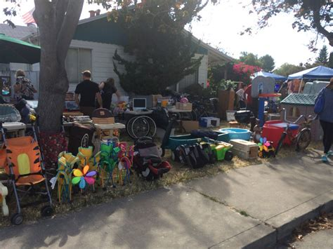 how to find the deal at a yard sale homes