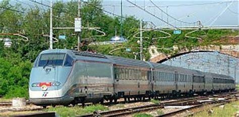 treni sulla genova tempi lunghi e biglietti pi 249