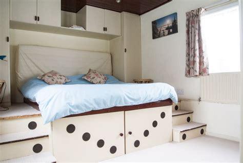 eloise bedroom houseboat sales rental