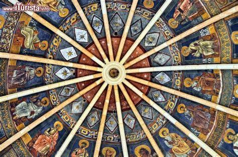 battistero di parma interno dettaglio dell interno della cupola battistero