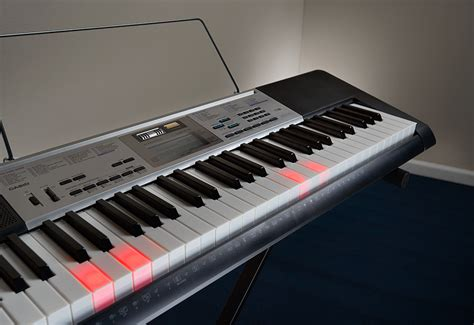 casio light up keyboard casio lighted learn to play keyboard sharper image
