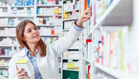 Pharmacy Assistant by Shoppers Mart Pharmaprix Is Looking For A Pharmacy