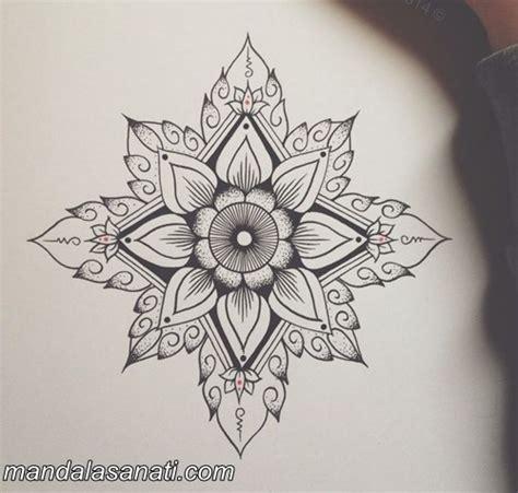 Wall Clock Art by Siyah Beyaz Mandala Mutlaka şans Verin