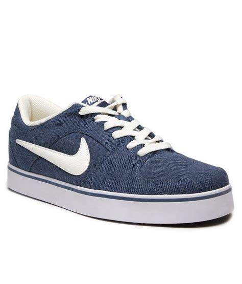 nike blue sneakers nike blue sneaker shoes buy nike blue sneaker shoes
