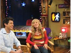 New pictures from the set of iCarly - Fans of David ... Icarly Dress Up Who