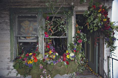 Flowe Hourse three dozen floral designers transform a condemned detroit duplex with 36 000 flowers colossal
