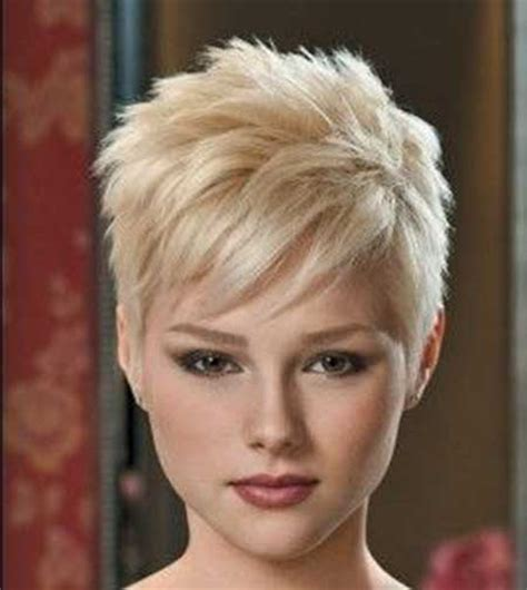 pixie cut hairstyle for age mid30 s 30 short blonde hairstyles blondes blonde hairstyles